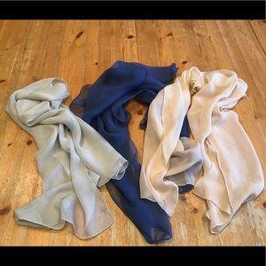 💦 VINTAGE trio of 1950's feminine chiffon scarves